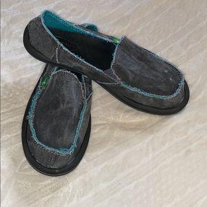 Sanuk slip on shoes size 7